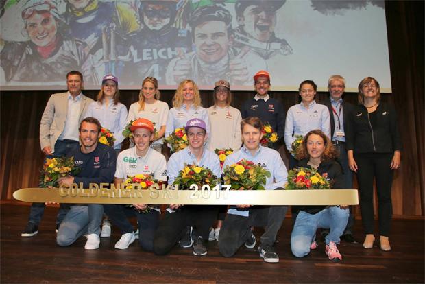 Goldener Ski 2017: Viktoria Rebensburg und Felix Neureuther freuen sich über höchste Auszeichnung für DSV-Aktive (Foto: Deutscher Skiverband)