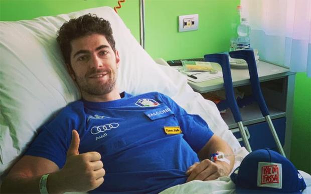 Stefano Gross grüßt alle vom Krankenbett in Brescia (Foto: Stefano Gross / Facebook)