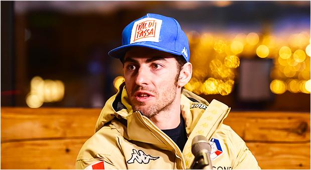 Auch Stefano Gross schnallt sich in Peer die Skier an (Foto: © Archivio FISI/ Pentaphoto/ Pier Marco Tacca)