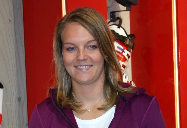 Julia Grünwald muss aufgrund einer Knorpelfraktur an der rechten Kniescheibe eine Skipause von ca. sechs Wochen hinnehmen.