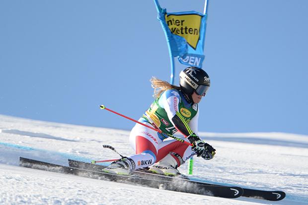 Lara Gut war auf dem Rettenbachferner schnell unterwegs. (Foto: © Ch. Einecke (CEPIX))
