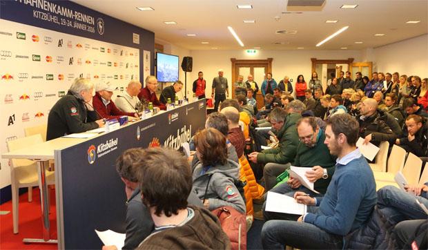 © hahnenkamm.com / Team Captains Meeting: Zweites Training am Donnerstag – Sonnenschein am Freitag.
