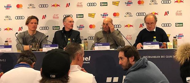 Teamcaptainsmeeting vor dem ersten Weltcup Abfahrtstraining