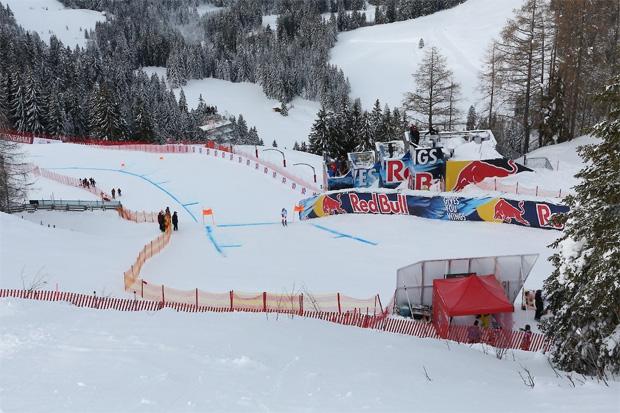 © Hahnenkamm.com / LIVE: Europacup-Abfahrt der Herren in Kitzbühel, Vorbericht, Startliste und Liveticker