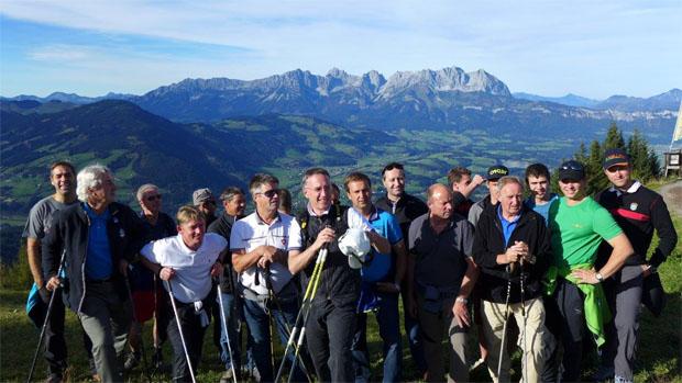 © hahnenkamm.com  / HKR-OK Team Piste mit Michael Huber am Hahnenkamm