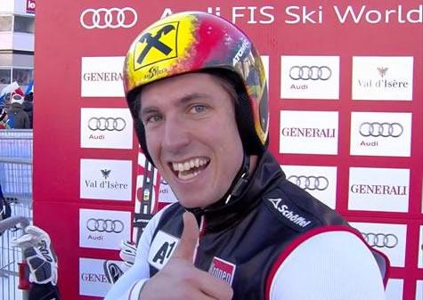 Marcel Hirscher führt beim Riesenslalom von Val d'Isere