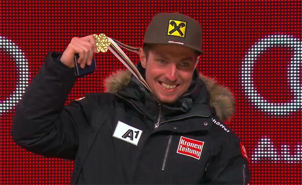Marcel Hirscher und seine Goldmedaille in der Kombination