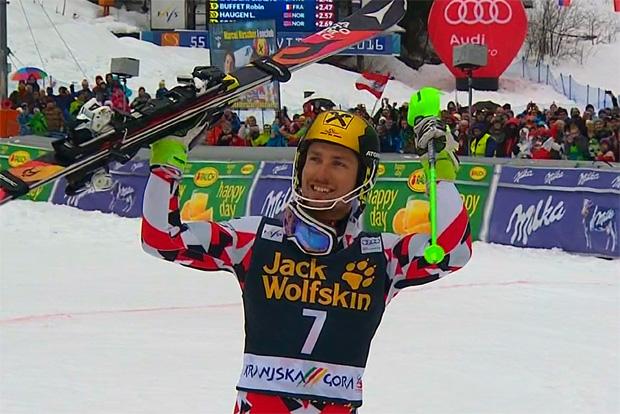 Marcel Hirscher freut sich beim Slalom von Kranjska Gora über Sieg
