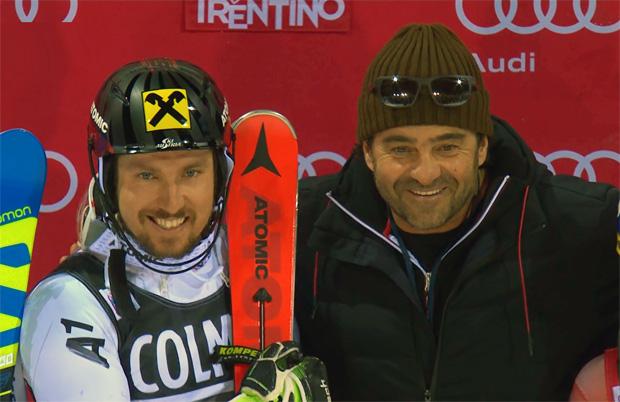 Marcel Hirscher und Alberto Tomba bei der Siegerehrung in  Madonna di Campiglio