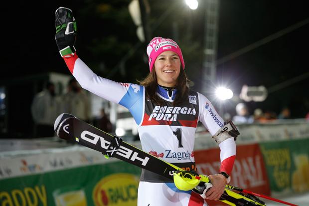 """Wendy Holdener im Skiweltcup.TV-Interview: """"Ich freue mich, dass ich mich täglich verbessern kann!"""" (© HEAD/Christophe PALLOT/AGENCE ZOOM)"""