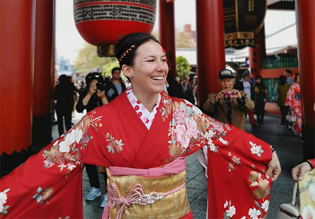 Wendy Holdener lud bei Asien-Trip ihre Akkus auf (© Wendy Holdener / Facebook)