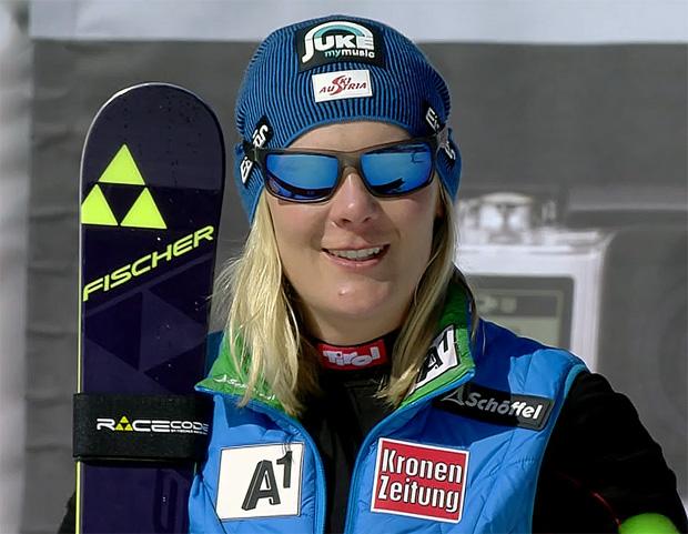 Niki Hosp hat in ihrer erfolgreichen Karriere zwölf Ski Weltcup Rennen gewonnen. In der Saison 2006/07 entschied Hosp den Gesamt- und Riesenslalom-Weltcup für sich, ebenfalls 2007 wurde sie Weltmeisterin im Riesenslalom.