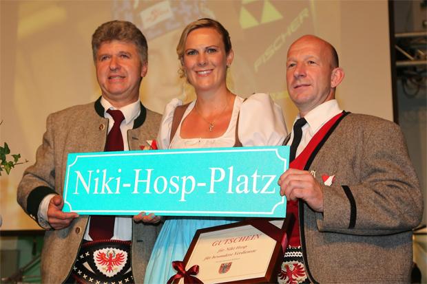 © Gerwig Löffelholz / Niki Hosp bekommt ein besonderes Geschenk