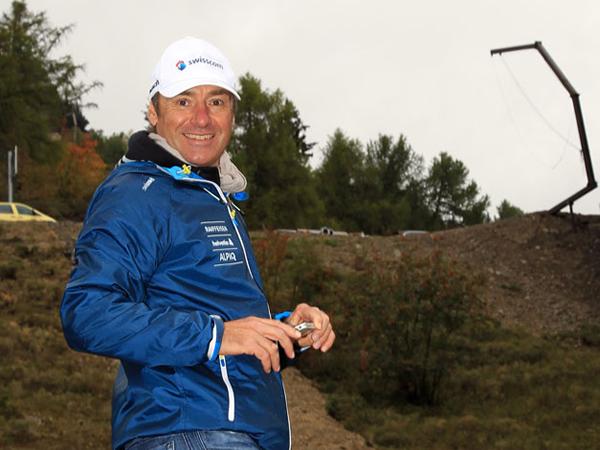 Rudi Huber, der neue Chef Alpin von Swiss-Ski, zeigt sich ob der neuen Piste hell begeistert.  (Foto: Hugo Steinegger)