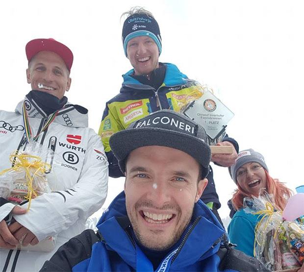 Josef Ferstl, Klemen Kosi, Hanna Schnarf und im Vordergrund Christof Innerhofer. (Foto: Christof Innerhofer / Facebook)