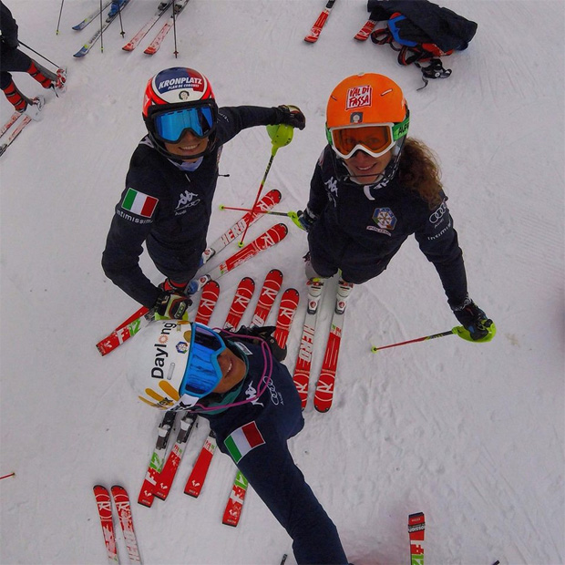 Schlechtes Wetter in Hintertux. So müssen wir die Heimreise antreten und bereiten uns auf die Skihalle in Litauen vor. (Foto: Manuela Mölgg / facebook)