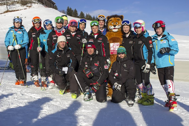 © hahnenkamm.com  / Junior Race am Ganslerhang