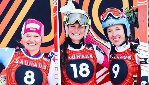 Junioren Abfahrtsweltmeisterin Alice Merryweather (m.) zusammen mit Katja Grossmann (l.) und Kira Weidle (r.) - (Foto: jwsc2017 / Instagram)