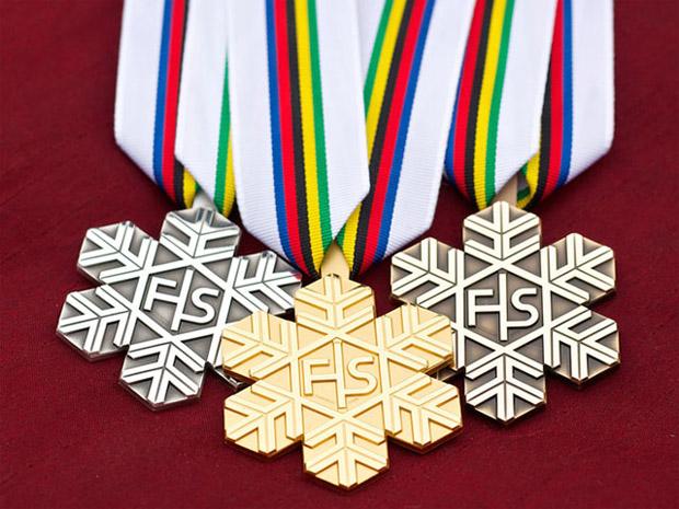 © swiss-ski.ch / Das Swisscom Junior Team 2015 freut sich darauf, mit zahlreichen Medaillen von der Junioren WM 2015 in Hafjell (NOR) heimzukehren.