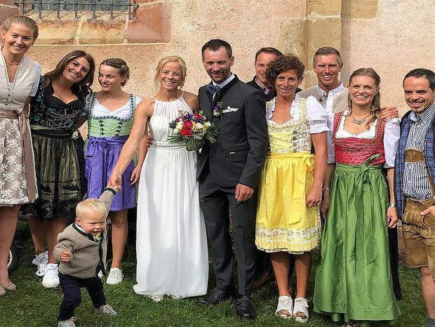 Wir gratulieren: Denise Karbon hat geheiratet. (Foto: Manuela Mölgg / instagram)
