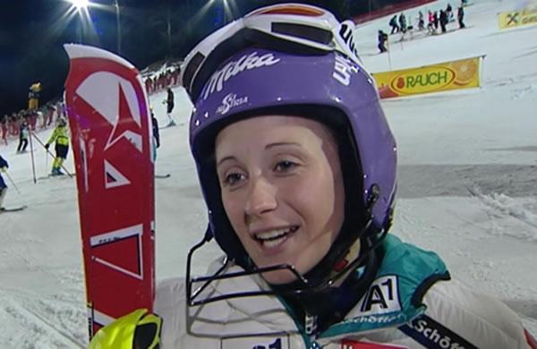 Michaela Kirchgasser wegen Knieprobleme auf dem Weg nach Innsbruck