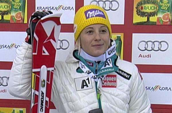Michaela Kirchgasser führt in Kranjska Gora