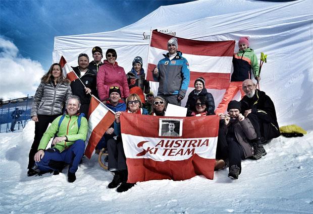 Niklas Köck und seine treusten Fans. Hier beim Europacup-Rennen im Südtiroler Sarntal (Foto: Niklas Köck)