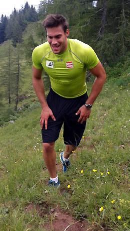 """Vincent Kriechmayr beim """"Streif-Berglauf"""", der den Athleten alles abverlangte. (Foto: ÖSV)"""