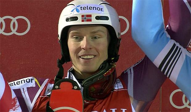 Henrik Kristoffersen mit Startnummer 1 zum Sieg
