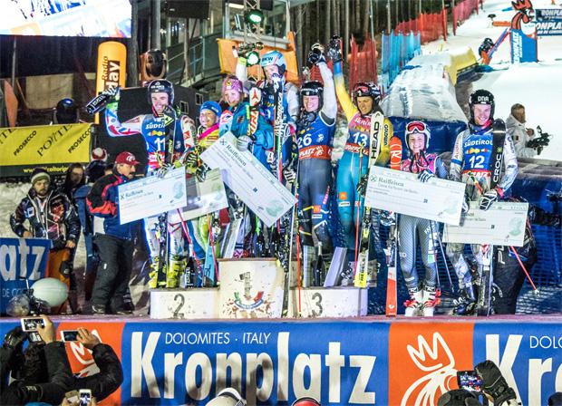 © Dennis de Martin / Österreich und Schweiz jubeln nach Sieg beim FIS Europacup Nacht-PGS am Kronplatz