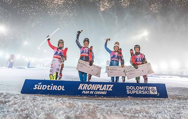 FIS Europa Cup Kronplatz 2019 Ladies Podium. Von links Martina Ostler (GER), Emelie Henning (SWE), Tuva Norbye (NOR), Tea Lamboray (FRAU) (Foto: © Dennis De Martin)