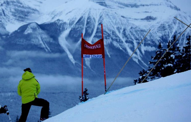 © facebook / FIS Alpine World Cup Tour / Auch ÖSV Team startet in Lake Louise mit Trauerflor