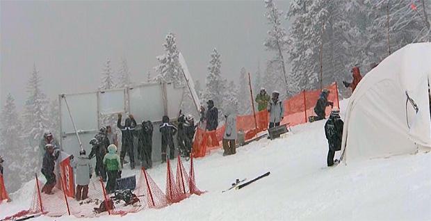 Das 1. Abfahrtstraining der Herren in Lake Louise musste wegen starken Schneefall abgesagt werden. Für morgen, 20.15 Uhr MEZ (Ortszeit 12.15 Uhr) ist das 2. Abfahrtstraining geplant.