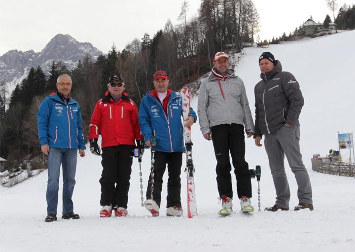 Foto Copyright: Werner Moritz - v.l.n.r.: OK-Chef Werner Frömel, FIS-Delegierte Gorazd Bedrac, Klaus Hofstätter (Lienzer Bergbahnen) und Rupert Steger vom ÖSV