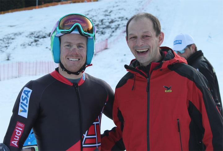 US-Star Ted Ligety mit Eric Enders, Geschäftsführer der Bergbahnen  Hindelang-Oberjoch. Foto: Skigebiet Oberjoch