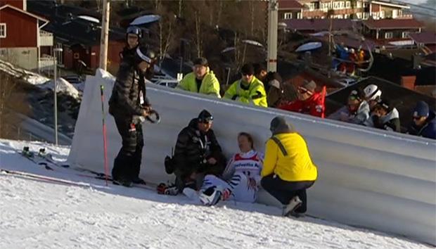 DSV-Rennläufer Stefan Luitz zur MRT Untersuchung in Östersund