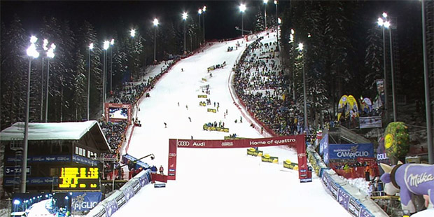 Weihnachtliche Stimmung beim letzten Slalom der Herren im Jahr 2014