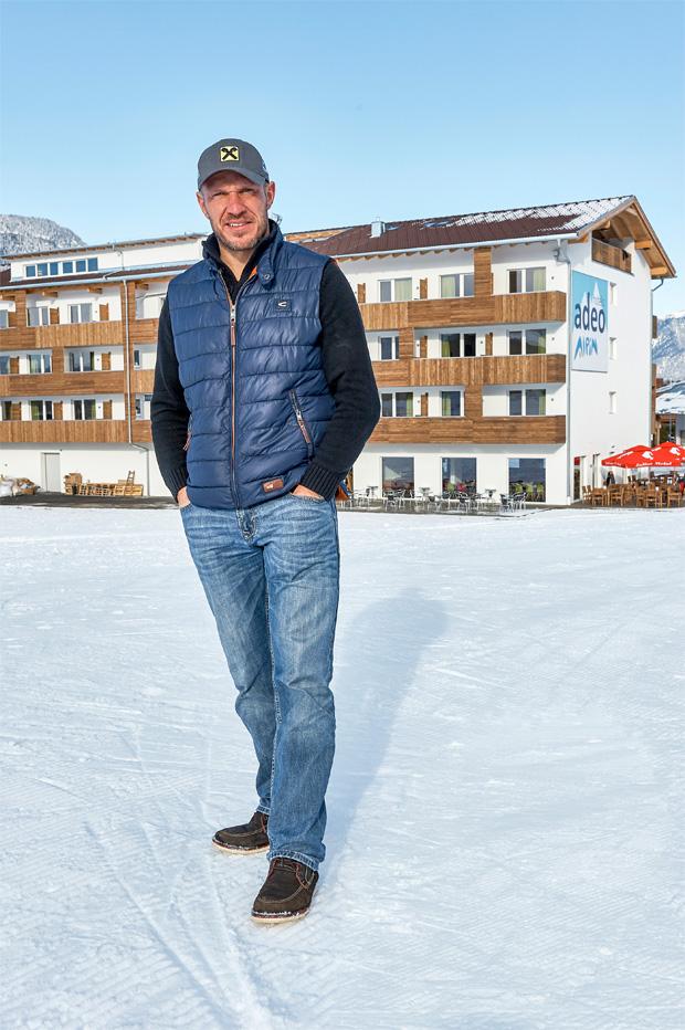 © adeo ALPIN / Gemeinsam mit Rainer Schönfelder will Hermann Maier dazu beitragen, dass Urlaub für jeden wieder leistbar ist.