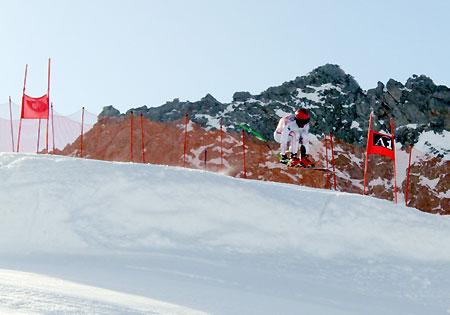 Die Europacup-Herren (im Bild Björn Sieber) trainieren im Moment bei optimalen Schneebedingungen auf dem Mölltaler Gletscher. (Fotos: ÖSV)