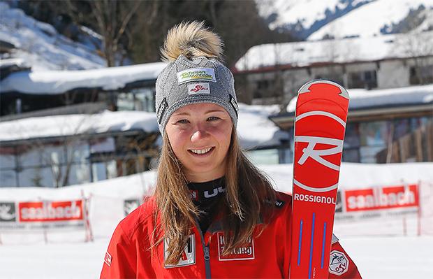 Elisa Mörzinger im Interview mit Skiweltcup.TV (Foto: © Franz Ketter)