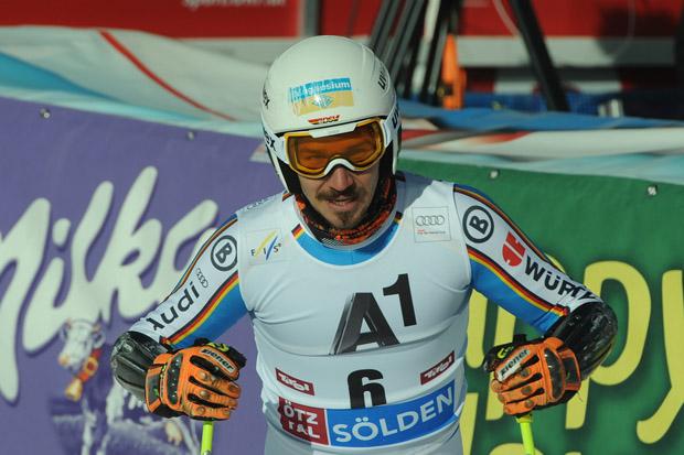 Felix Neureuther war mit Platz sechs zum Saisonauftakt zufrieden