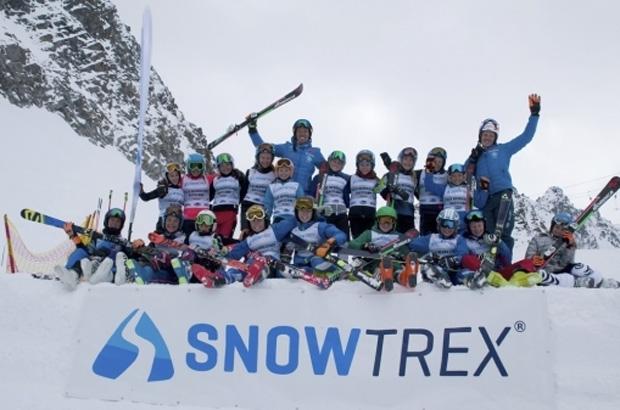 Vom 29 April bis zum 1. Mai trainierten die jeweils sechs besten deutschen Schülerinnen und Schüler, sowie die beste Schülermannschaft der zurückliegenden Wettkampfsaison im österreichischen Ötztal mit Skistar Felix Neureuther. Foto: Deutscher Skiverband
