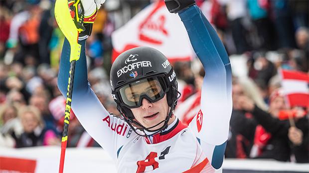 Clément Noël spult in Saas Fee Riesentorlauf- und Slalomeinheiten ab (Foto: © Philip Platzer/Red Bull Content Pool)