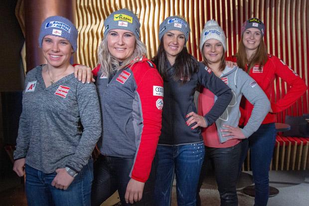Die phantastischen Fünf: v.l. Nicole Schmidhofer, Tamara Tippler, Stephanie Venier, Ramona Siebenhofer und Christina Ager. (Foto: Tirol Werbung / Plattner)