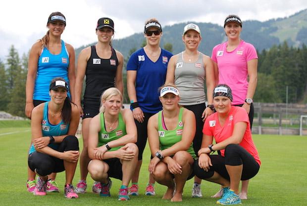 Gruppenfoto des ÖSV-Speedteams in der nordischen Trainingsanlage in Seefeld. (Foto: ÖSV/Malzer)