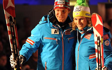 ÖSV Ski-Asse Benjamin Raich und Marlies Schild im neuen Skioutfit der Fa. Schöffel. (Foto: Erich Spiess)