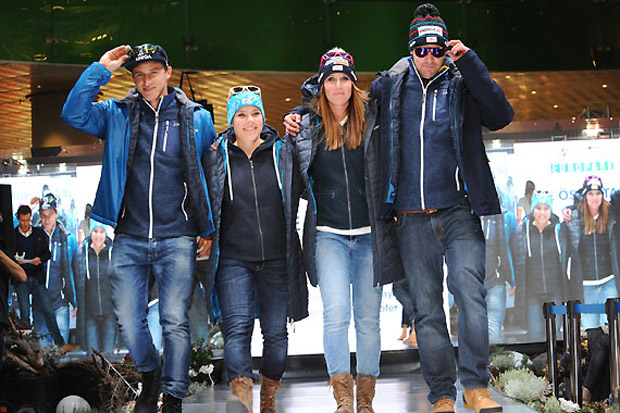"""Matthias Mayer, Nicole Schmidhofer, Cornelia Hütter und Vincent Kriechmayr im neuen """"Schöffel-Outfit"""" für die Saison 2015/16. (Foto: Erich Spiess)"""