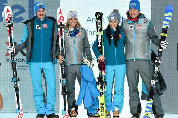Manuel Feller, Michaela Kirchgasser, Anna Veith und Romed Baumann zogen auf dem Catwalk im EUROPARK im neuen Outfit der Firma Schöffel alle Blicke auf sich. (Foto: Erich Spiess)