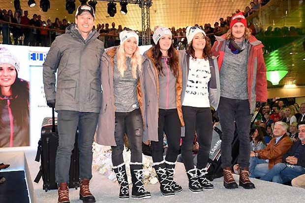 Hannes Reichelt, Eva-Maria Brem, Anna Veith, Ramona Siebenhofer und Manuel Feller zogen auf dem Catwalk im EUROPARK im neuen Outfit der Firma Schöffel alle Blicke auf sich. (Foto: Erich Spiess)