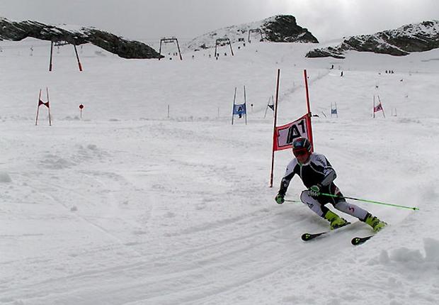 Maximilian Lahnsteiner beim Training am Hintertuxer Gletscher. (Foto: ÖSV)